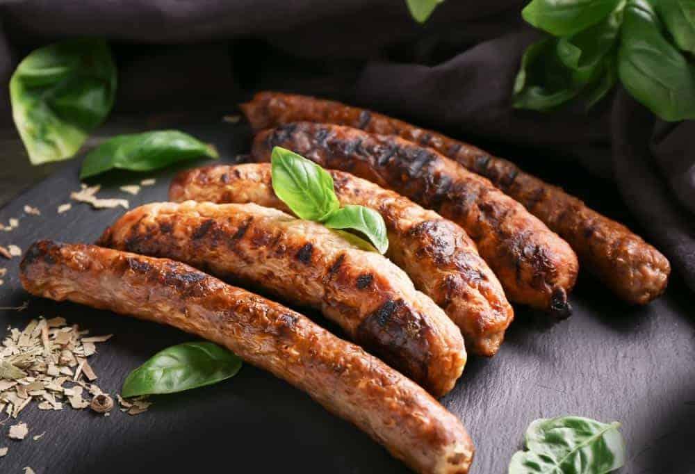 Saucisse de savoie. Maison Alpin. Vente en direct de la salaison familiale. Charcuterie artisanale, saucisson, saucisse, diot, jambon, de Haute-Savoie & viande de qualité supérieure en ligne.