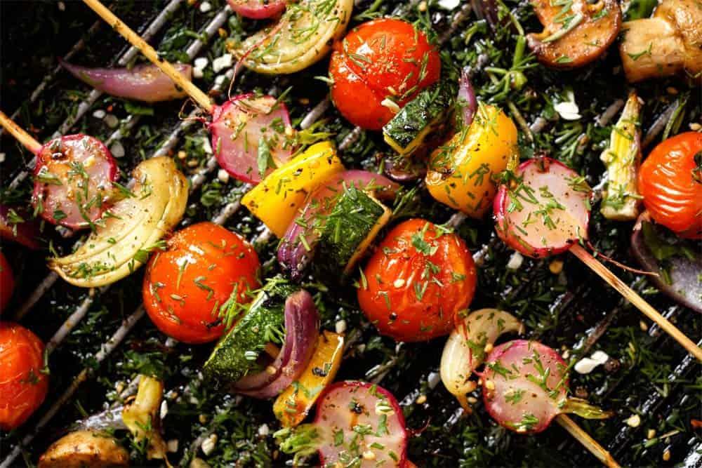 BBQ, Maison Alpin. Vente en direct de la salaison familiale. Charcuterie artisanale, saucisson, saucisse, diot, jambon, de Haute-Savoie & viande de qualité supérieure en ligne.